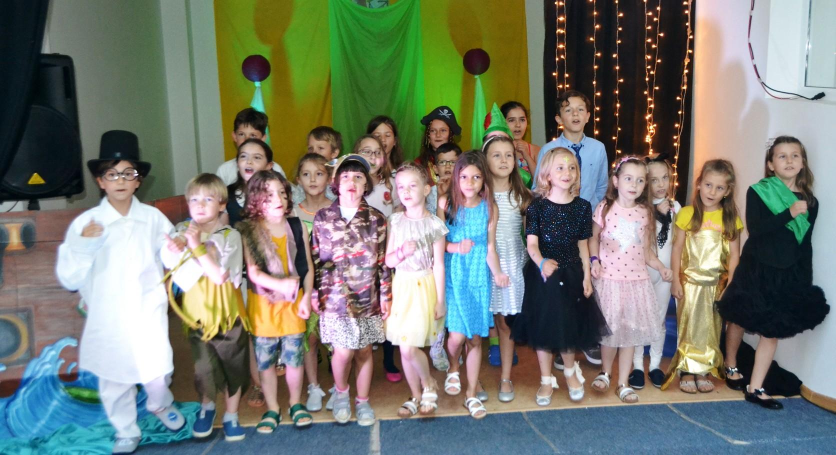 Final de an cu Peter Pan la clubul de dramă